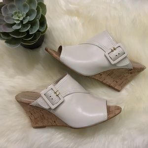 Tahari White Pearl Open-toe Mule Wedges Size 8.5